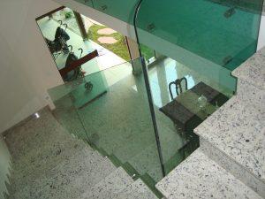 Corrimão em Vidro Temperado Verde